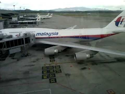 Malaysia Airlines Boeing 747-400 9M-MPQ in KLIA(Kuala Lumpur International Airport)