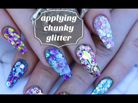 NAIL BASICS: HOW TO WORK WITH CHUNKY GLITTER