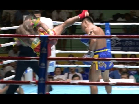 Muay Thai - Pornsanae vs Pokkeaw - New Lumpini Stadium, 8th July 2014 Image 1