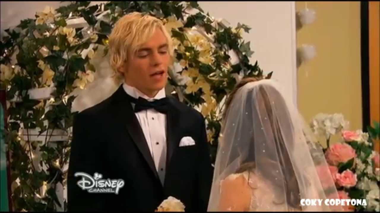 Wedding Bells Kissing