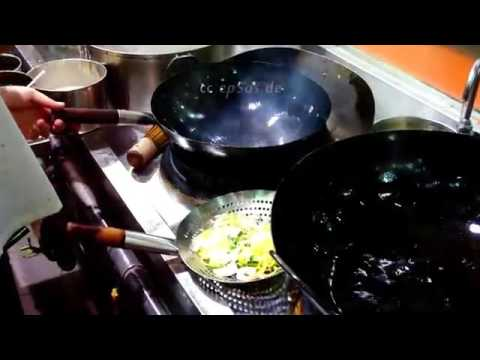 How to Cook Fried Noodles in Chinese Wok Properly