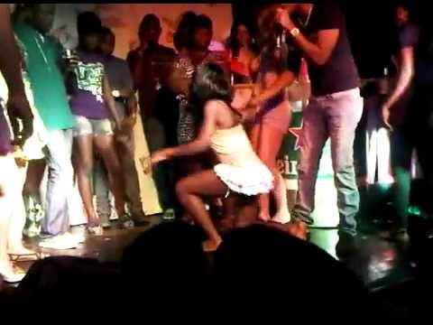 Black girl vs White girl booty shake in Jamaica
