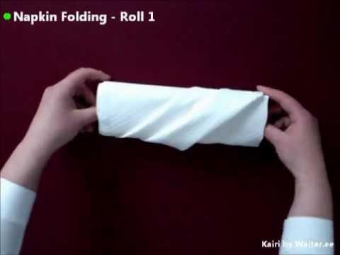 Hur man viker en rulle med slag av en servett
