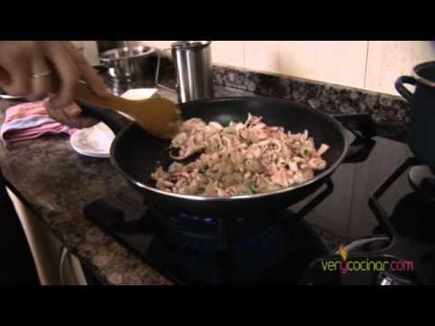 Saquitos de calamar y gamba en pasta brick de Laura García