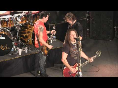 Jackyl - Down On Me (live 2-2-2013)