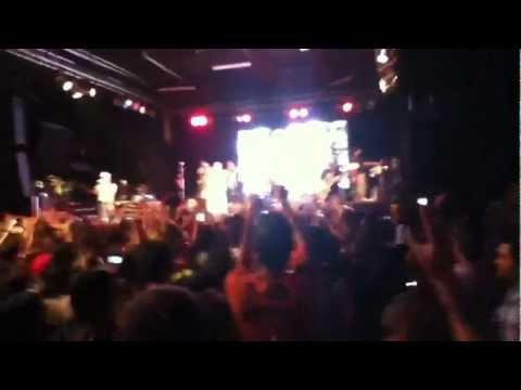 Calle 13 iniciando @ 4th&B San Diego