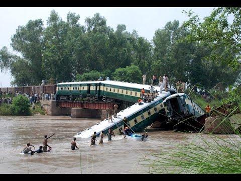 Sabotage suspected in Pakistan military train crash
