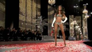 Izabel Goulart - Victoria's Secret Runway Compilation HD