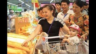 Người tiêu dùng Việt Nam lạc quan thứ nhì thế giới   VTV24
