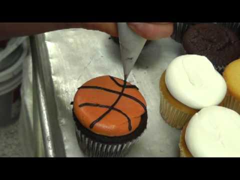 Basketball Cupcakes Easy Decorating Idea - YouTube