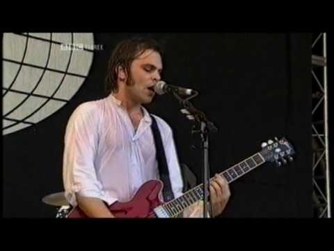 Supergrass - Moving - Glastonbury 2004