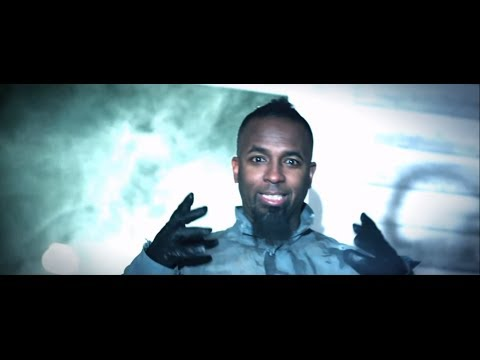 Tech N9ne - Am I A Psycho? (Feat. B.o.B and Hopsin) - Official Music Video