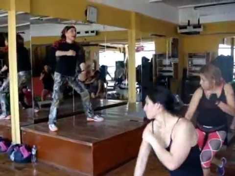 Master class gym zeus full body 3 roger romero for Gimnasio zeus