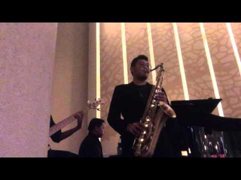 Januari- Glenn Fredly ( sax cover by yien)
