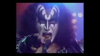 Download KISS - I Love It Loud (Subtitulos en Español) 3Gp Mp4