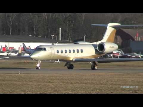 Awesome long wing Gulfstream G550 takes off & great mountain view!