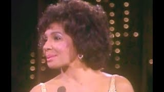 Shirley Bassey - New York State Of Mind (1982 TV Special)