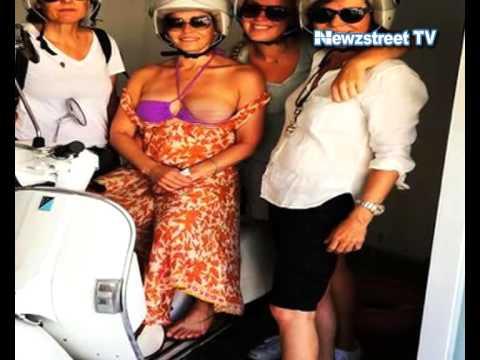 Chelsea Handler's bare boob publicity stunt