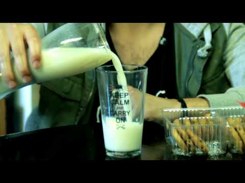 How to Eat Milk and Cookies Like a Boss