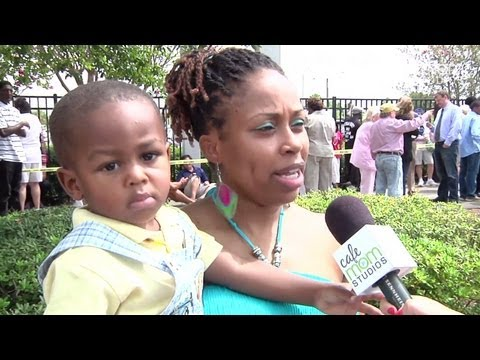 "Florida Voters Divided on Obama - Moms Matter ""Swing State"" Road Trip 2012"