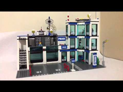 Lego City 7498 Estación de Policía/Police Station Review
