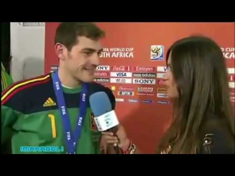 Iker Casillas kiss live
