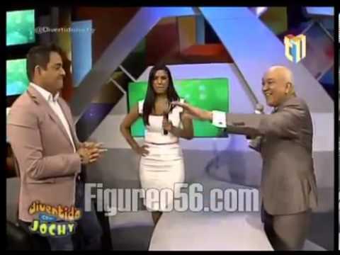 Daniel Sarcos y Lizbeth Santos se Besan en Divertido con Jochy