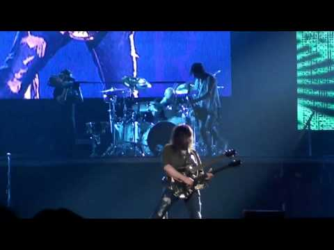 Guns N' Roses - 'The Pink Panther Theme (Ron Thal guitar solo)' - live in Barcelona - 10/23/2010