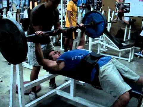 Vin diesel en el gym youtube for El gimnasio