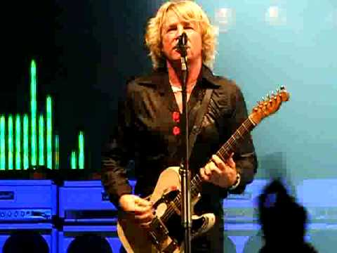 Rick Parfitt - A study of sheer power - Down Down - Croydon 18.11.2009
