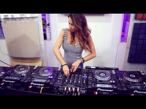 Juicy M & 4 decks