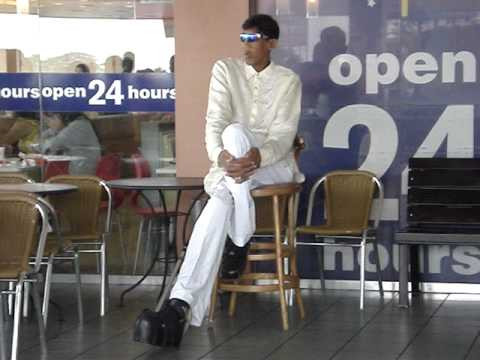 Tallest Man at McDonalds Philippines