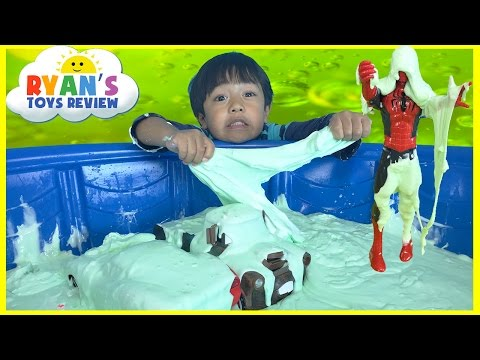 HOW TO MAKE GIANT SLIME GOO in Kiddie Pool Disney Cars toys McQueen Mater Spiderman Minions