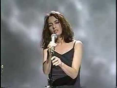 Susanna Hoffs - Eternal Flame (Live)
