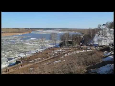 Ледоход на реке Вятке в Кирове 15 апреля 2018 г. Timelapse