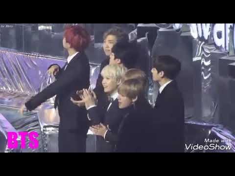 Idol Singing Dan Dancing To Winner Really Really(bts,wanna One,twice And Etc)