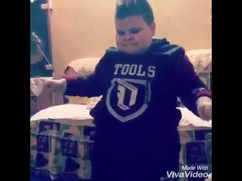 طفل يرقص رقص جامد thumbnail