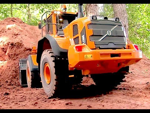Incredible RC Wheel Loader - Is it a real Machine?