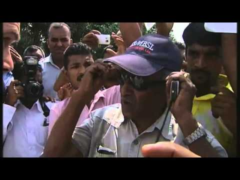 Channel 4 News blocked by mob in Sri Lanka