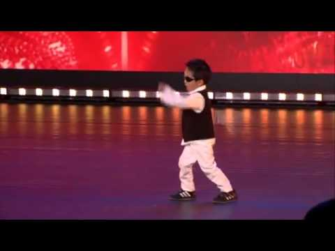 Zvezda je rođena  Dečak (4) izveo Gangnam stajl i oborio žiri s nogu! (VIDEO) -