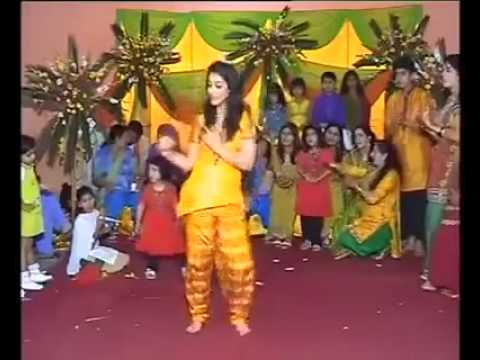 Lahore Girl Mehndi Hot Dance video