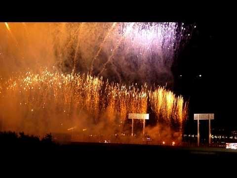 外から見た ARASHI 国立ライブ2010 monsterの花火