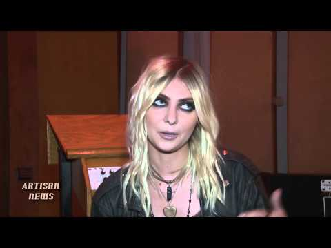 TAYLOR MOMSEN, PRETTY RECKLESS, TALKS NAKED TOUR TROUBLE, OPENING FOR GUNS N' ROSES, MARILYN MANSON