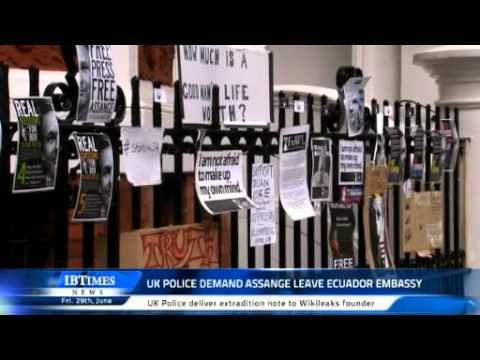 UK Police Demand Assange leave Ecuador Embassy