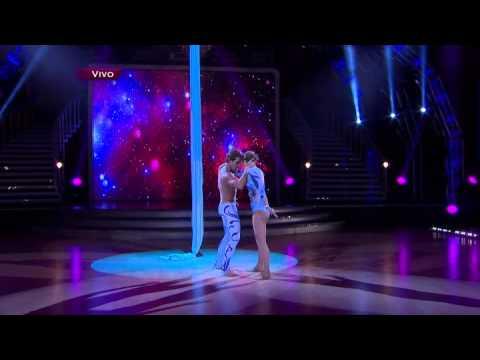 Lambda García baila al ritmo de Just give me a reason