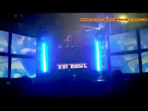 DJ DEYLOR EN GUERRA HOT MUSIC VS ZC  PRIMERA PARTE..wmv