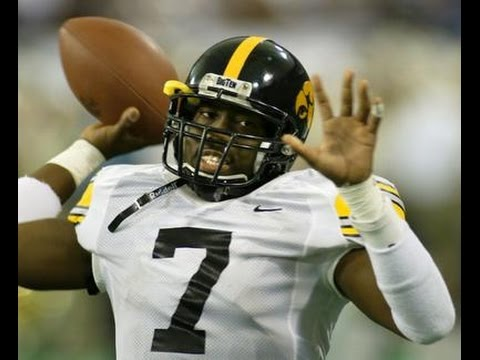 Best quarterback in Iowa Hawkeyes History? Brad Banks Wins Davey O'Brian Award 2002 Video