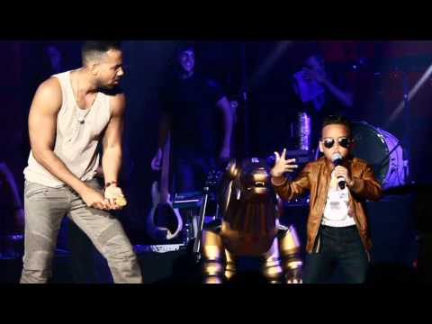romeo santos canta con niño en Boston(click HD) parte 1 video por William F Almonte JR