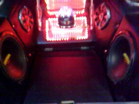 kicker ES subwoofer test..(big bass)