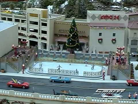 Custom Animated Skating Rink in O Scale Video